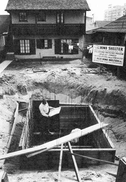 building-a-backyard-bomb-shelter_1951